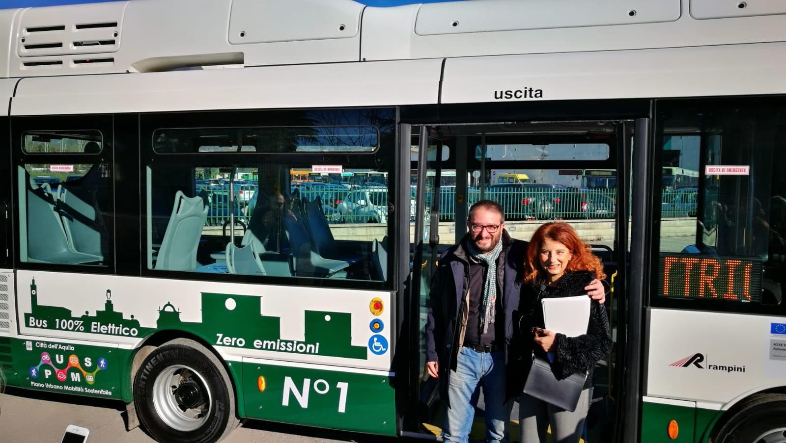 Foto bus elettrico